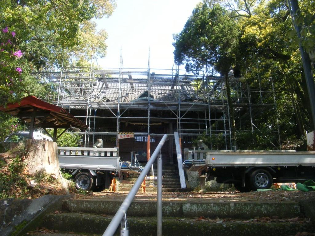 神社屋根替え (1)